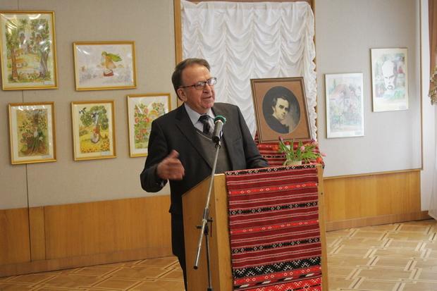 Поет, перекладач, літературознавець Всеволод Ткаченко