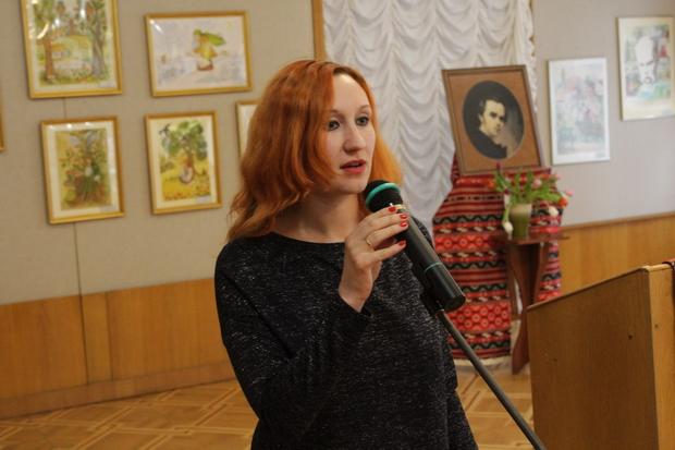 Науковий співробітник НМЛУ, письменниця Юлія Шевель